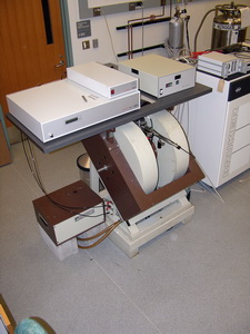 Bruker Continuous Wave and Pulsed EleXsys E580 EPR-ELDOR Spectrometer